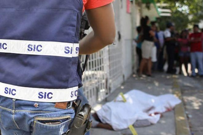 Covid-19: Polícia mata homem em Luanda ao repreender jovens que não usavam máscara