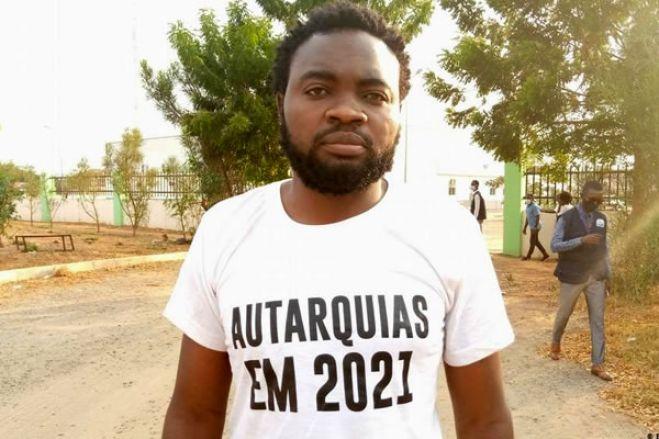 Mais de cem manifestantes estão detidos em Luanda, diz ativista