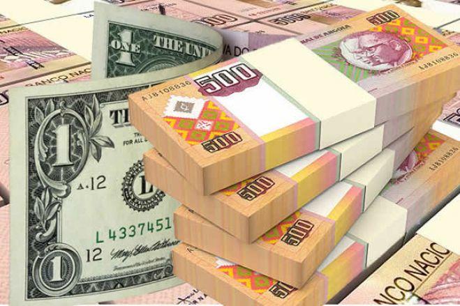Kwanza cai quase 17 por cento face ao dólar
