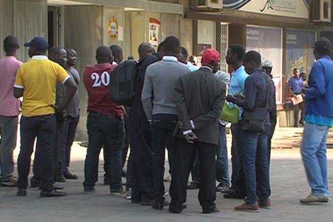 Trabalhadores de Kundi Paihama sem salários há um ano