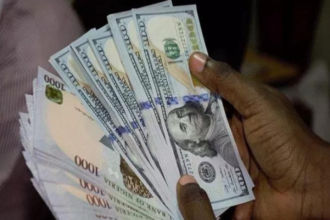 Operadores trocam 34 mil milhões de kwanzas/dia