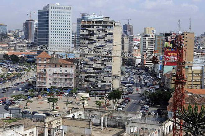 Angola é dos países mais vulneráveis à turbulência financeira - Moody's