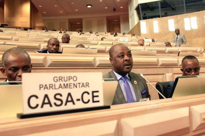 Grupo parlamentar da CASA-CE propõe alteração da atual lei angolana de direito à manifestação