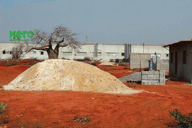 Líderes comunitários angolanos classificam de ilegal venda de terrenos junto das grandes cidades