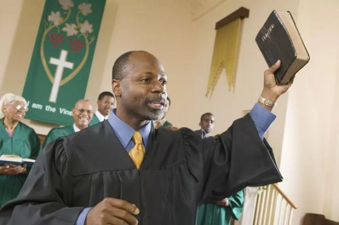Conservatória passa a ser a entidade competente para registo de confissões religiosas em Angola