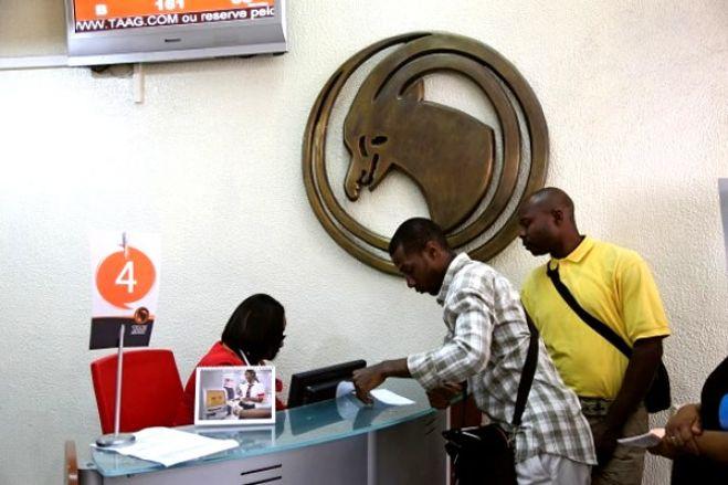 Passageiros da TAAG isentos da tarifa de remarcação de viagem