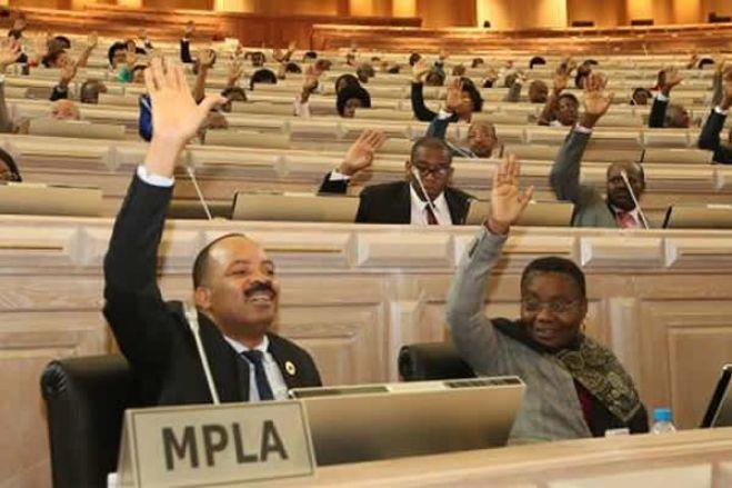 MPLA chumba proposta da oposição que sugere a eleição de deputados no círculo eleitoral na diáspora