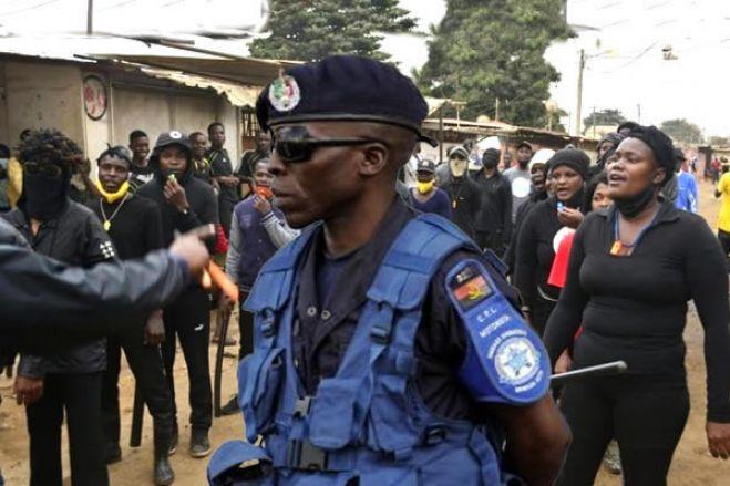 Polícia Nacional acaba com patrulhamento da «Turma do Apito» no Sambizanga