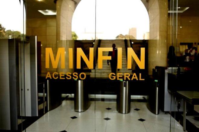 Falhas no sistema do Ministério das Finanças duplica salários de funcionários públicos