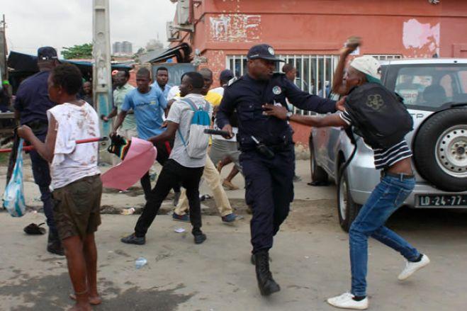 """Amnistia condena """"violência gratuita"""" da polícia contra cidadãos em Angola"""