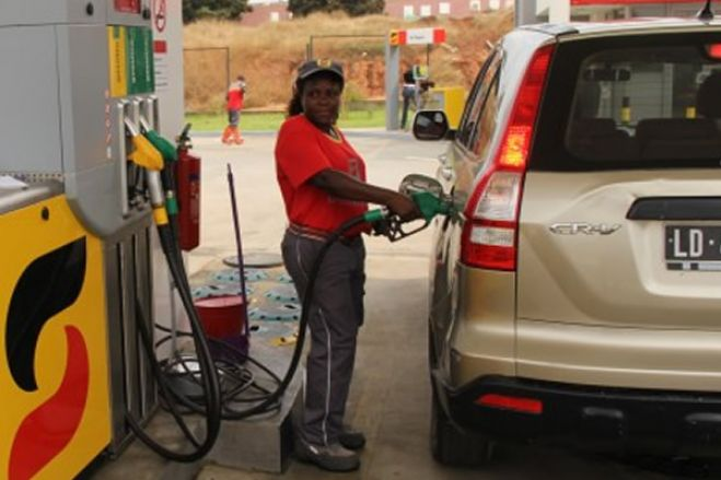 Fim de subsídio aos combustíveis aguarda decisão do Governo angolano - Sonangol
