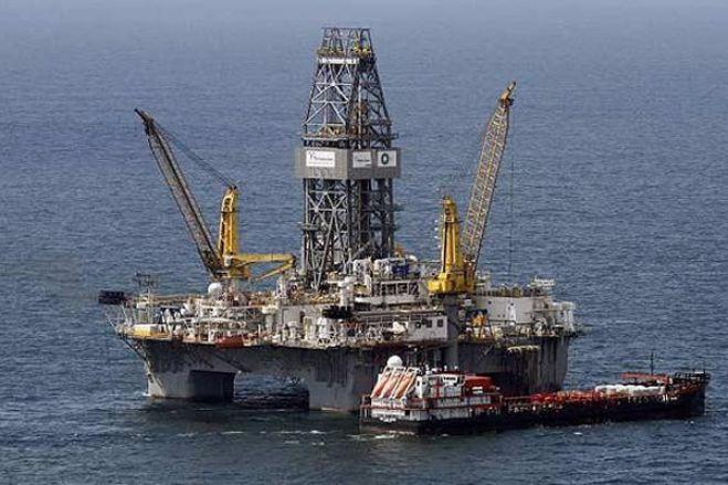 Produção de petróleo em Angola desce 41% para 762 mil barris diários em 2028 - Fitch Solutions