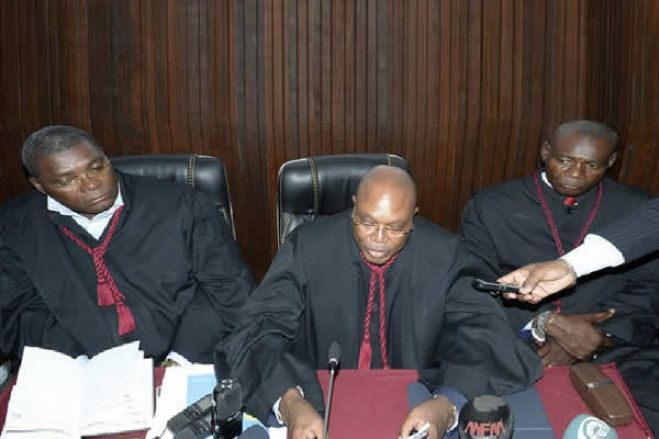 """Juristas meteram o dedo na ferida """"MPLA sangra de fúria""""?"""