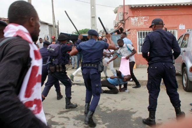 Jornalistas angolanos queixam-se de agressões em manifestação em Luanda