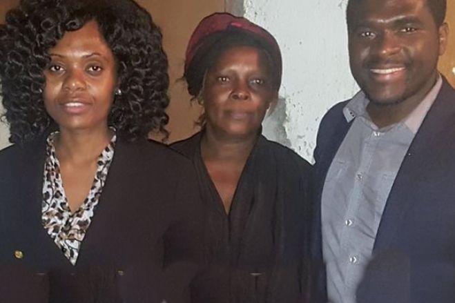 Filhos de Samakuva imploram a largar o poder