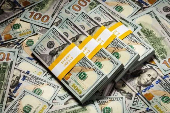 Banca angolana continua 'bloqueado' na importação de dólar dos EUA