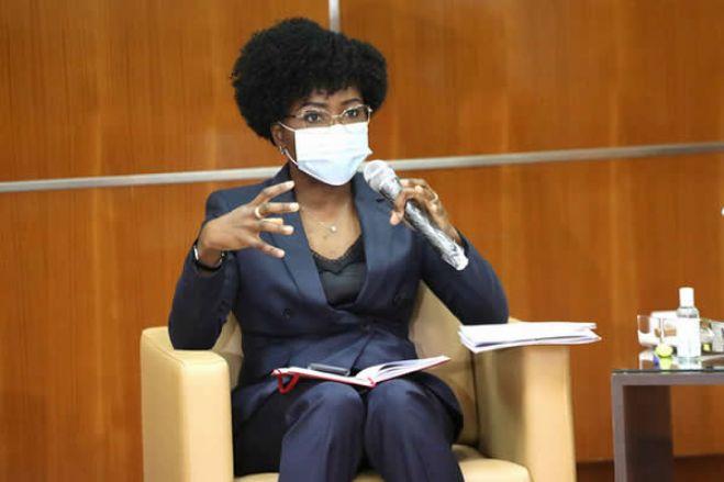 Angola deve mais de 20 bilhões de dólares à China