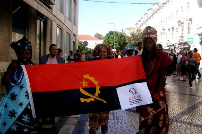 Diáspora recebe com reservas anúncio de revisão constitucional em Angola