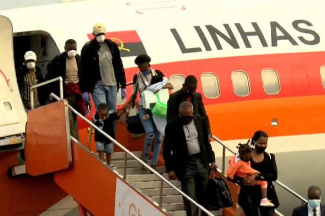 Dois casos positivo em 3.000 passageiros que chegaram a Angola desde sábado