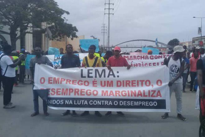 Jovens manifestam-se hoje contra o desemprego em várias províncias