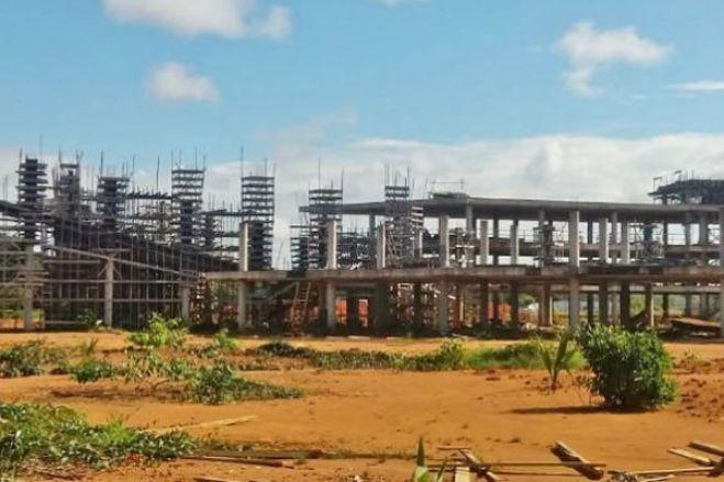 Governo angolano diz que suspensão de linhas de crédito do Brasil deixou obras inacabadas