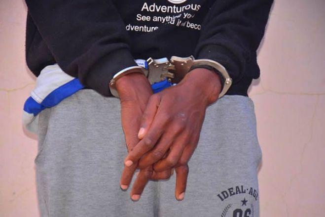 Angola: Homem tenta vender sobrinha e neta a 150 mil dólares