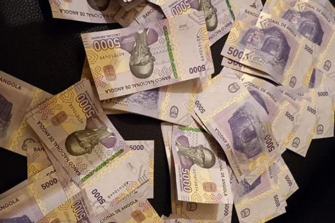 Milhões de Kwanzas falsos apreendidos no Huambo