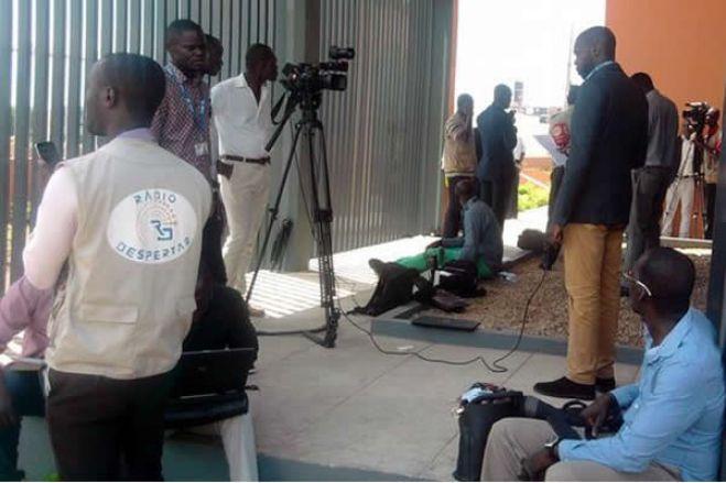 Covid-19: Oito profissionais da comunicação social angolanos infetados disparam alerta