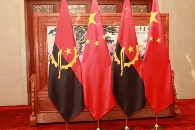 Angola está a negociar com China fim de petróleo como colateral de dívida