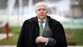 Magistrado condenado a 6 anos e 8 meses de prisão por ter sido subornado por Manuel Vicente