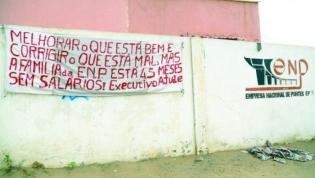 Trabalhadores angolanos com 54 meses de salários em atraso ponderam recorrer à OIT