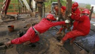 ENI Angola anuncia descoberta com reservas até 300 milhões de barris de petróleo