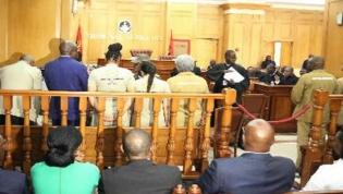 Tailandês julgado em Angola diz que cheque de 50 mil milhões de dólares é verdadeiro