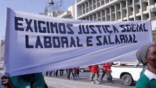 Protestos de trabalhadores sem salários há cinco anos é sinal de democratização - Ministro