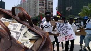 Manifestação pacífica em prol de repatriamento de capitais hoje em Luanda
