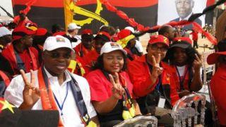 """MPLA quer prevenir a população de """"políticas falsas"""" da oposição"""