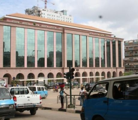Funcionária pública morre após suspensão do salário pelo ministério das Finanças