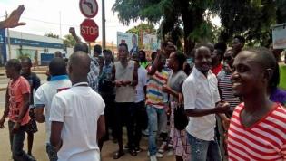 Angolanos saem hoje à rua em protesto contra desemprego no país