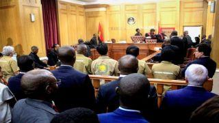 Defesa pede absolvição no caso da burla de 50 mil milhões de dólares