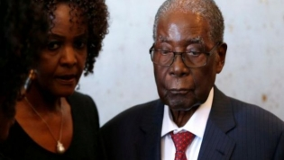 Ex-Presidente do Zimbabué Robert Mugabe já não anda devido a saúde frágil