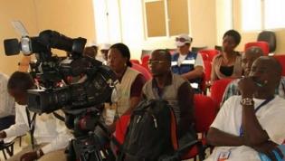 Jornalistas angolanos discutem código de ética ansiando pela carteira profissional