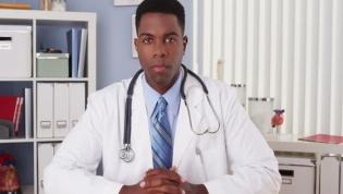 Ecos de fraude eleitoral tomam conta das eleições do novo bastonário dos médicos de Angola