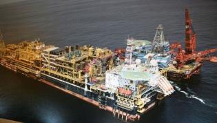 """Angola quer que OPEP encontre um """"preço justo"""" para o petróleo"""