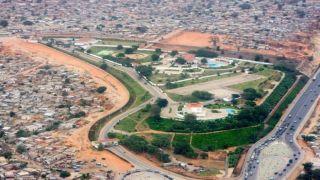 Veja a mansão que a Odebrecht construiu para o ex-ditador angolano