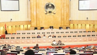 Parlamento angolano retira proposta de alteração à Lei dos feriados