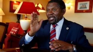 """UNITA pede """"auditoria exaustiva"""" e renegociação da dívida pública angolana"""
