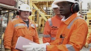 Governo promete quadros nacionais qualificados para novos projetos petrolíferos