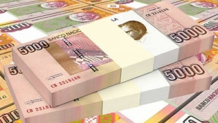 Kwanza angolano volta a se desvalorizar e perde mais 1,6% para o euro