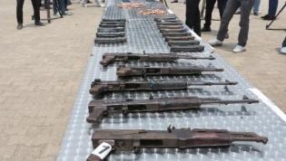Polícia Nacional recolhe por dia entre cinco a dez armas de fogo na posse de cidadãos