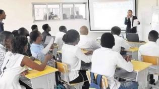 Escolas públicas angolanas com sistema integrado para certificação de documentos